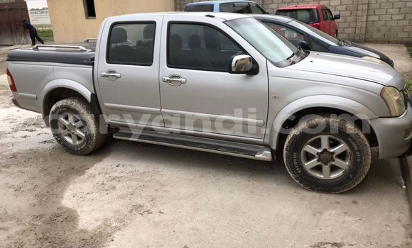 Buy Used Isuzu Denver Silver Car in Lusaka in Zambia