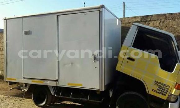 Buy Used Toyota Dyna White Car in Chingola in Zambia