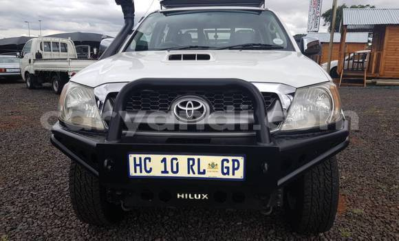 Buy New Toyota Hilux White Car in Lusaka in Zambia