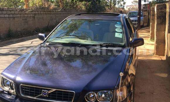 Buy Used Volvo S40 Blue Car in Lusaka in Zambia