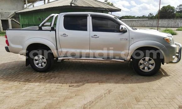 Buy Used Toyota Hilux Silver Car in Lusaka in Zambia